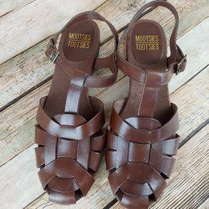 Mootsie Tootsie chocolate brown strap sandal 8